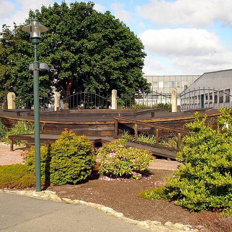 Museets trädgård med pråm